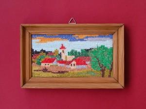 obrázok s výšivkou v drevenom ráme, rám upravený morením, od 2,60 do 6,30 € (2)